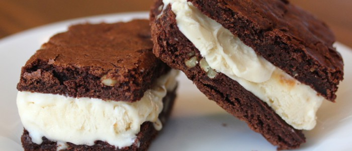 Info Resep Cara Membuat Brownies Sandwich Ice Cream